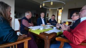 (v.l.): Pastorin Ariane Baier, Gerhard Schotte, Dr. Michael Grell, Ulrich Howest, Karl-Heinz Hubert und Reiner Sterzik