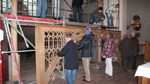 Ein zehnköpfiges Team unterstützte den Aufbau.